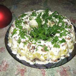 Салат грибной слоеный