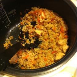 Плов с курицей и коричневым рисом в мультиварке