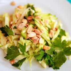 Салат из капусты с мятой