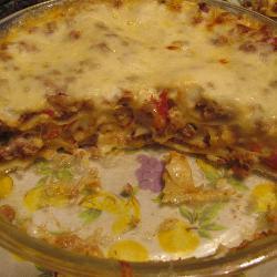 Лазанья с фаршем и белым соусом