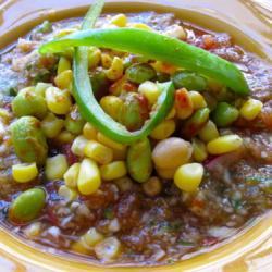 Гаспачо с кукурузой и соевыми бобами