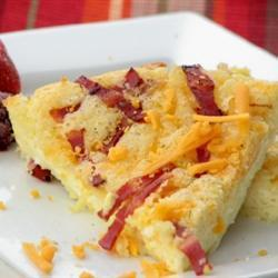 Быстрый пирог-омлет с беконом