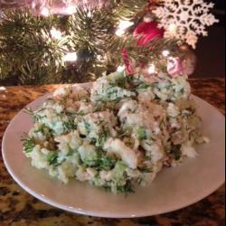 Нежный салат из печени трески