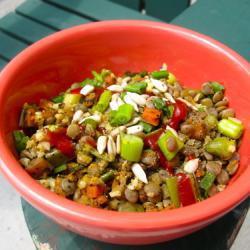 Теплый салат из пшена с чечевицей