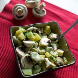 Картофельный салат с бобами и шампиньонами