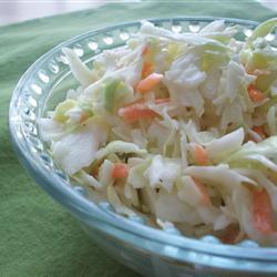 Капустный салат из ресторана