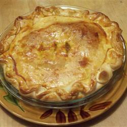 Французский мясной пирог из слоеного теста
