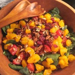 Салат из шпината с мандаринами