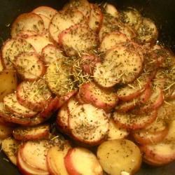 Картофель с розмарином и тимьяном
