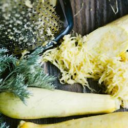 Простые оладьи из кабачков