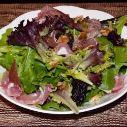 Салат с прошутто и черносливом