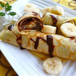 Тонкие блинчики с бананами