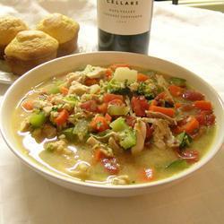 Курино-овощной суп с арахисовой пастой