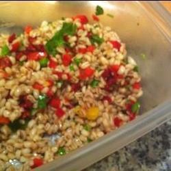 Полезный холодный салат из ячменя