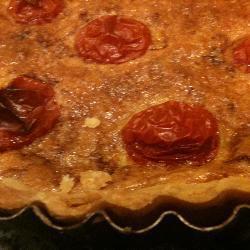 Лоранский пирог с помидорами черри