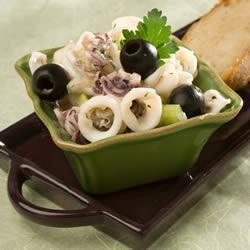 Оригинальный салат с кальмарами