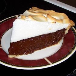 Пирог с шоколадным муссом и меренгой