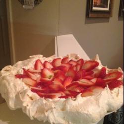 Торт Павлова со сливками