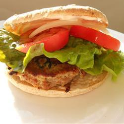 Греческий гамбургер с фетой и маслинами