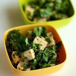 Салат из тофу и водяного кресса
