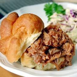 Тушеная свинина с соусом барбекю