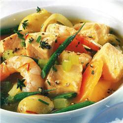 Рыбный суп с морепродуктами и шафраном
