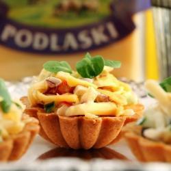 Польский салат с сыром и ветчиной