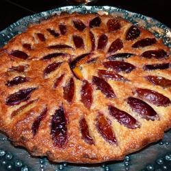 Сливово-миндальный пирог