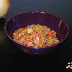 Чечевица с помидорами и сладким перцем