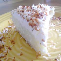 Кокосовый открытый пирог с кремовой начинкой