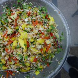 Салат с ананасами и кокосом