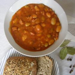 Фасоль в томатном соусе по-британски