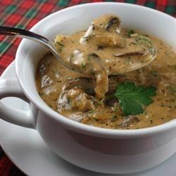 Грибной суп с курицей