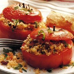 Запеченные помидоры с начинкой из кускуса