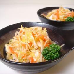 Салат из капусты и сельдерея