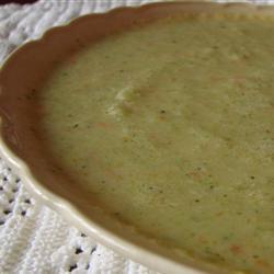 Легкий суп-пюре с брокколи
