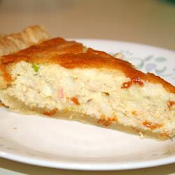 Пирог-киш с крабовыми палочками и сыром