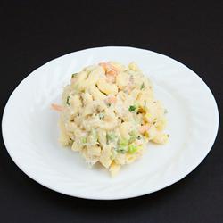 Макаронный салат с креветками и сельдереем