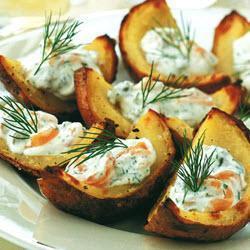 Запеченный картофель с начинкой из семги