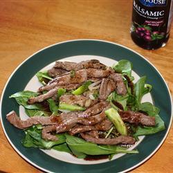 Азиатский салат со стейком