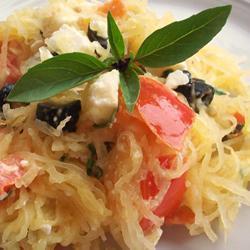 Запеченный кабачок-спагетти с брынзой