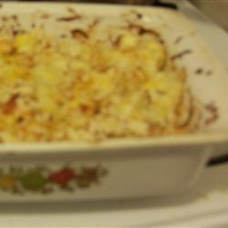 Запеканка из цветной капусты с колбасками-гриль