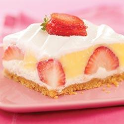 Творожный торт-суфле c клубникой