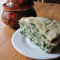 Блинчатый пирог с грибами и шпинатом