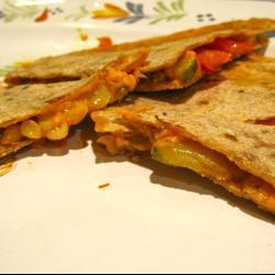 Кесадилья с овощами и сыром