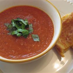 Горячий или холодный суп из запеченных помидоров