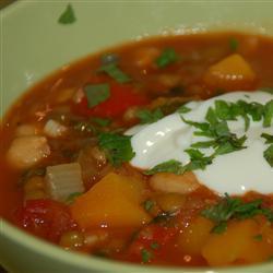 Индийский дал из красной чечевицы и овощей