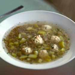 Гречневый суп с куриными клецками