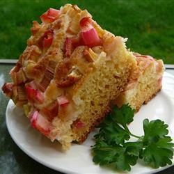 Сдобный пирог с ревенем