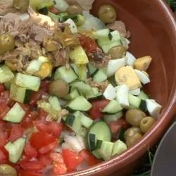 Испанский салат с тунцом (Салат Кампестре)